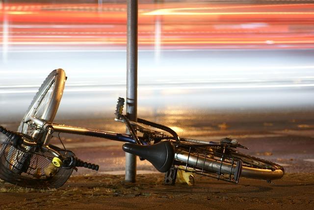 bike-376745_640
